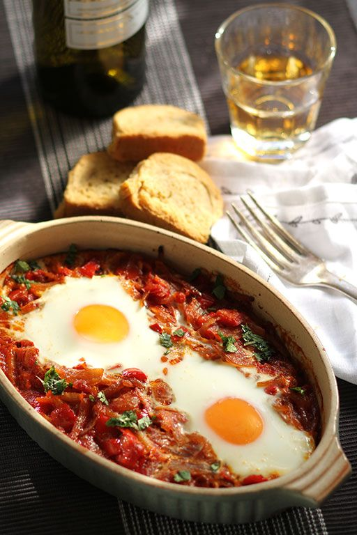 Eggs Baked in Spicy Tomato Sauce